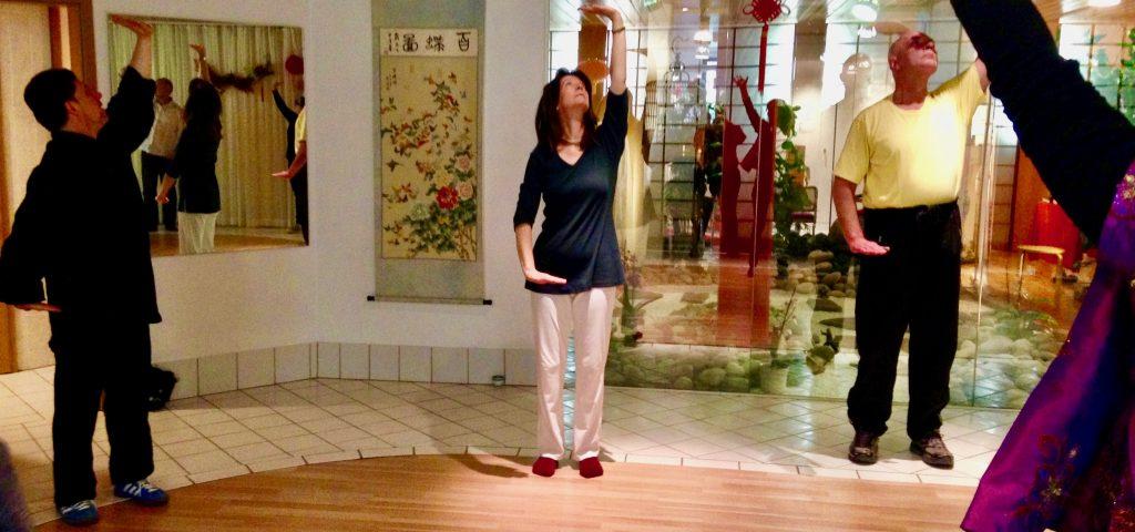 Kalender: Qigong-Stunde im Zentrum für präventive chinesische Medizin e.V. Genaue Termine entnehmen Sie bitte dem Kalender.